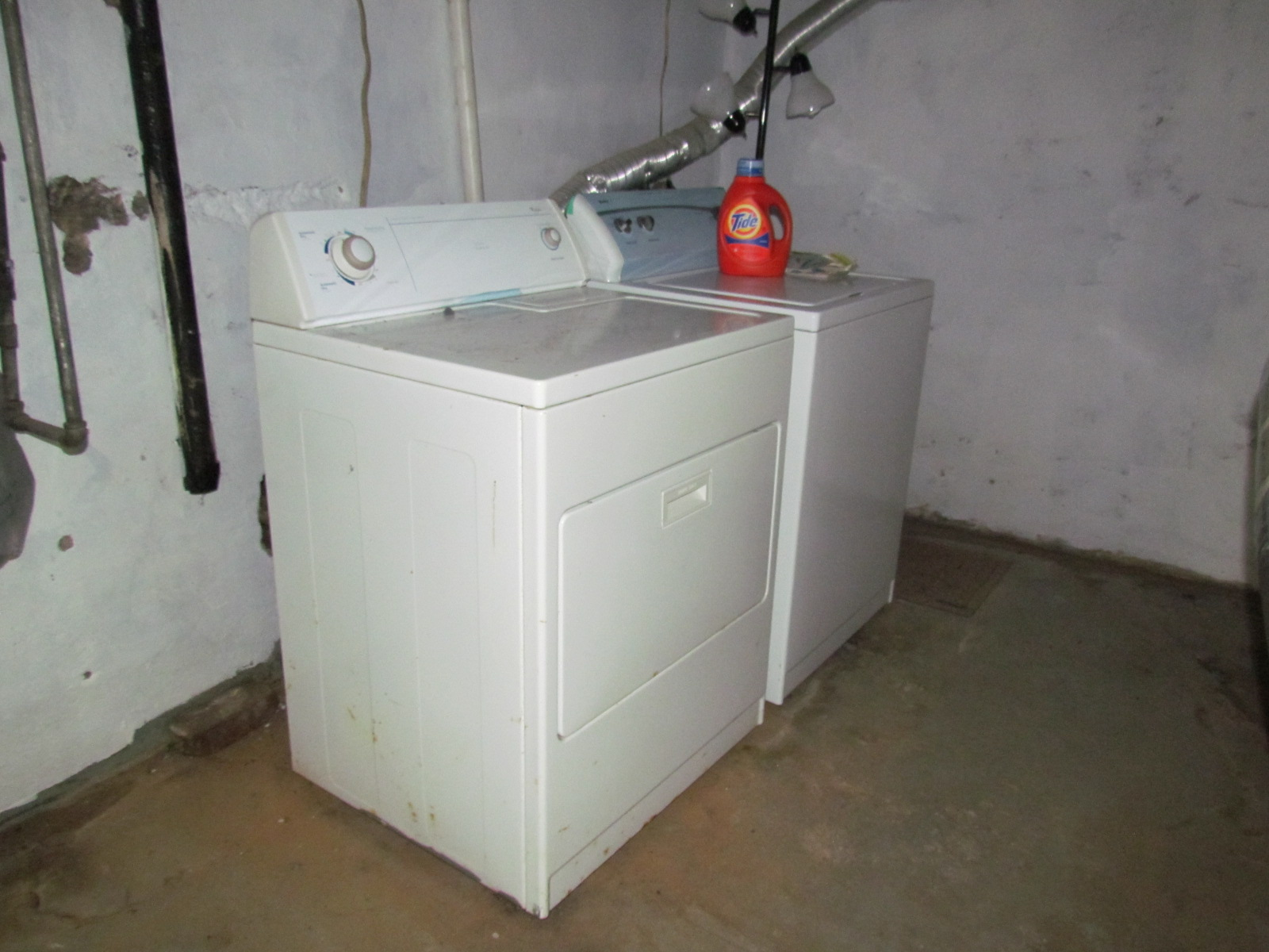 North main brick bungalow greenville sc for Bathroom cabinets greenville sc